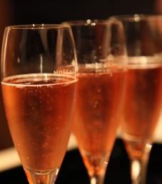 vaaleanpunaista samppanjaa Kuluttajakysely 2013