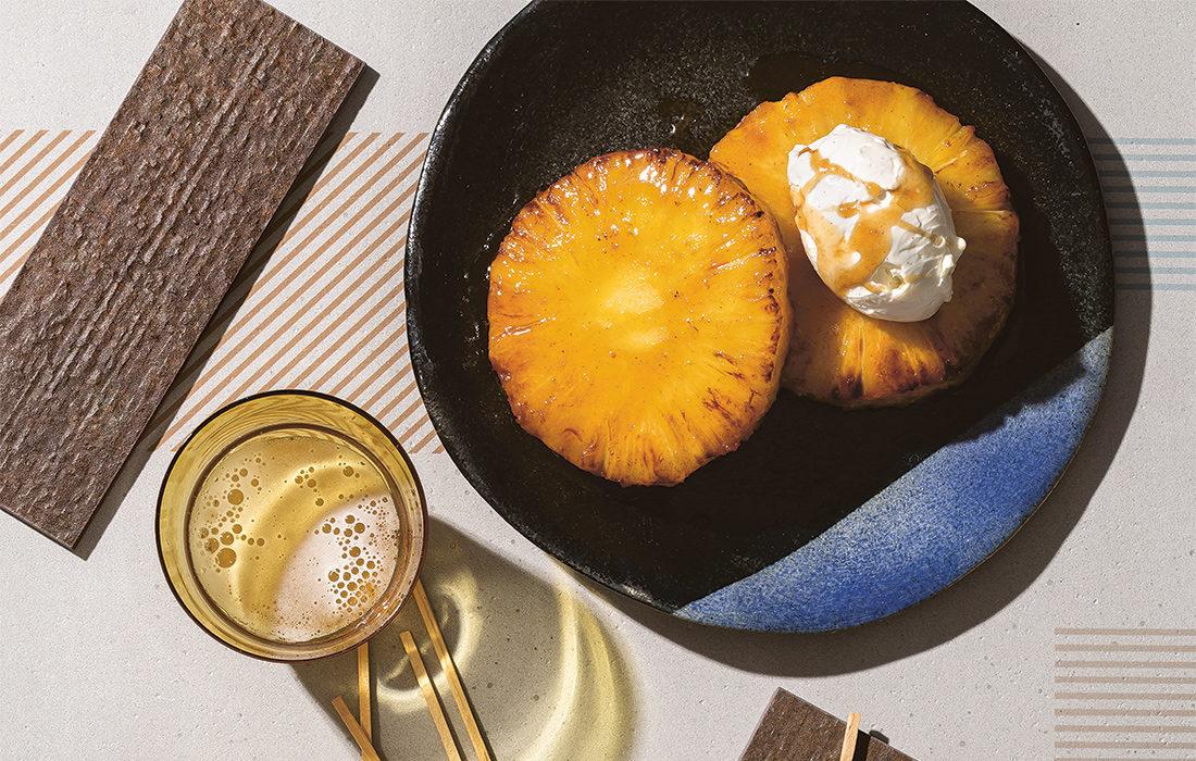 Olutkaramellisoitu ananas ja mascarpone-vaniljakreemi