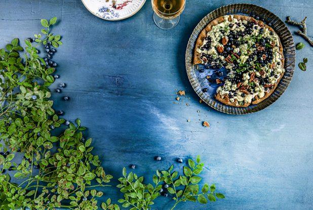 Mustikka ja mustikkaresepti: Mustikka-homejuustopiirakka