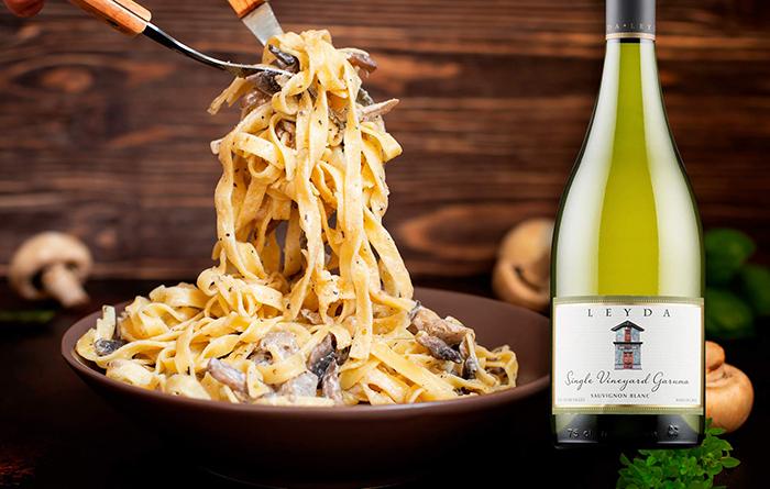 Leyda Garuma Vinyard Sauvignon Blanc ja suppilovahveropasta